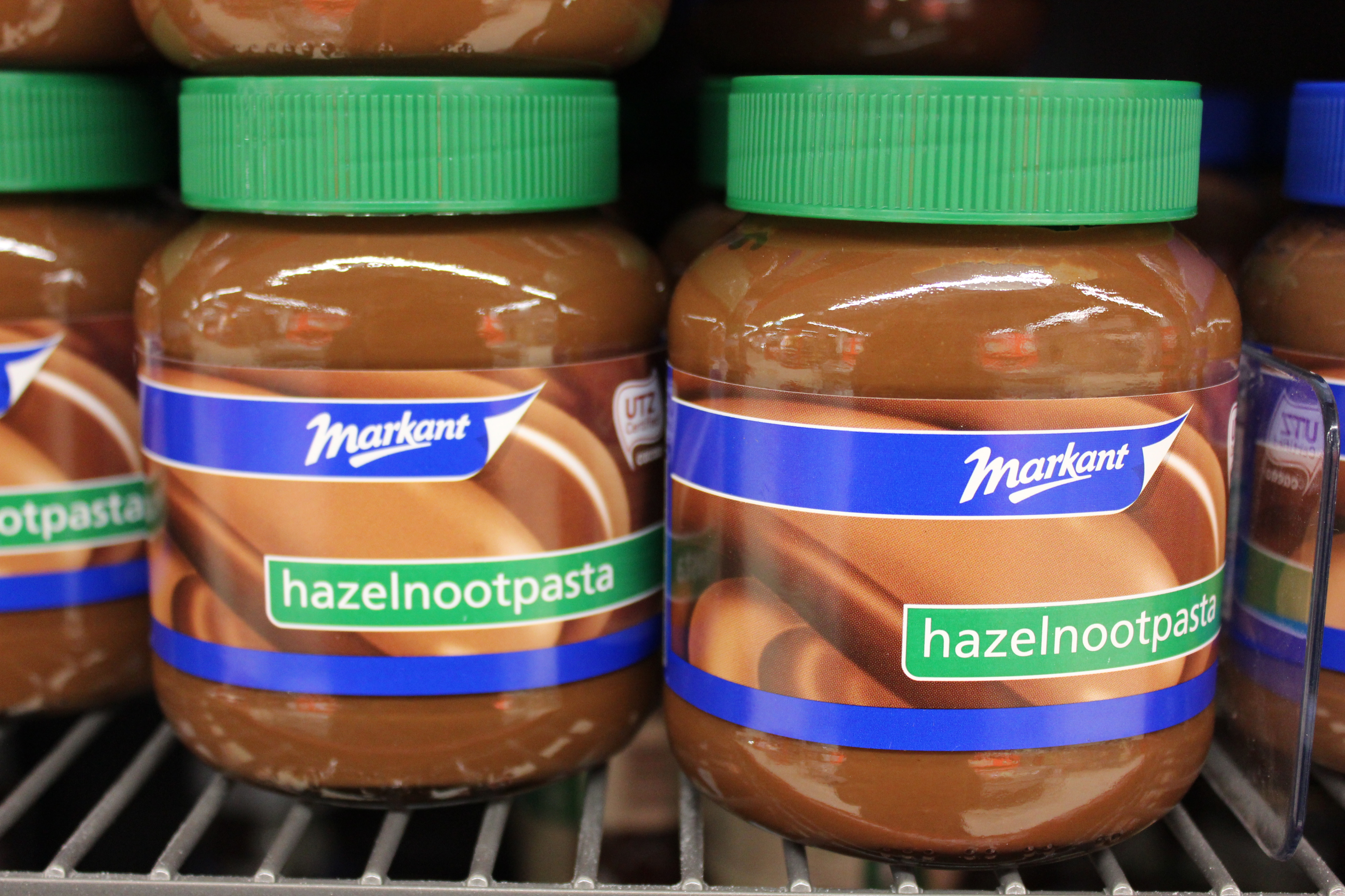 vegan chocolate-hazelnutspread